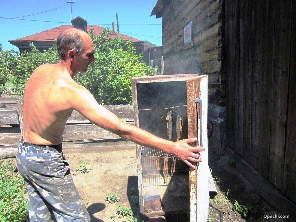 Коптилка из холодильника своими руками для рыбы